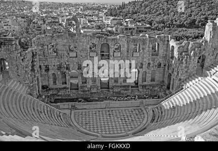 Athen - das Odeon des Herodes Atticus oder Herodeon unter der Akropolis im Morgenlicht. - Stockfoto