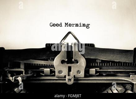Guten Morgen Nachricht eingegeben auf einer Vintage Schreibmaschine - Stockfoto