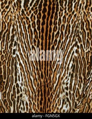 Leopard-Pelz-Mantel - Stockfoto