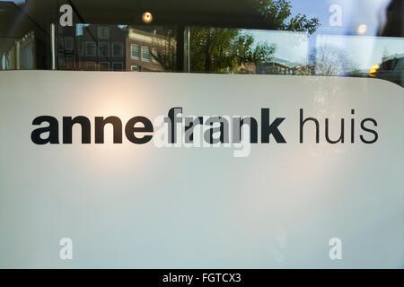 Zeichen auf der Vorderseite des Anne-Frank Haus / Museum in Amsterdam. Holland. Den Niederlanden. - Stockfoto