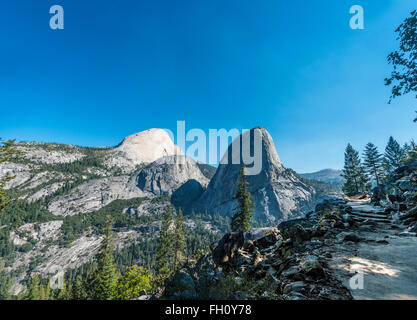 Liberty Cap, Yosemite-Nationalpark, Kalifornien, USA, Nordamerika - Stockfoto