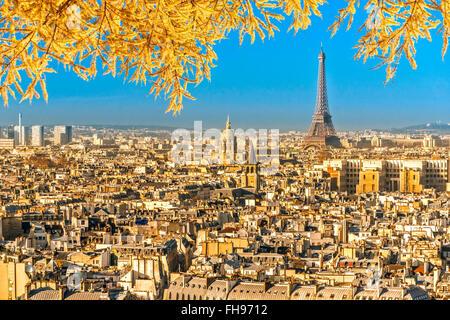 Blick auf den Eiffelturm und Les Invalides, Paris. - Stockfoto