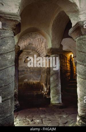 Sächsischen Krypta der St Wystan Kirche, Repton, Derbyshire, als Mausoleum von Mitgliedern der Mercian Königsfamilie - Stockfoto