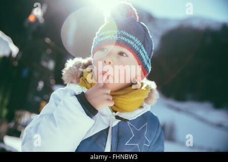 Italien, Val Venosta, Slingia, junge Schnee Essen - Stockfoto