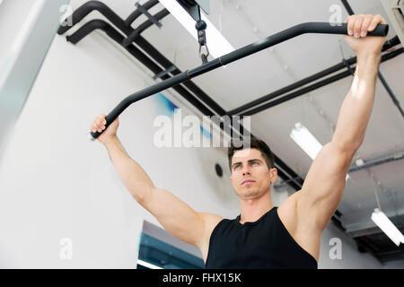 Im fitnessstudio männer kennenlernen