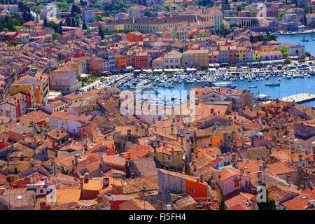 Blick vom Kirchturm auf die alte Stadt, Kroatien, Istrien, Rovinj - Stockfoto