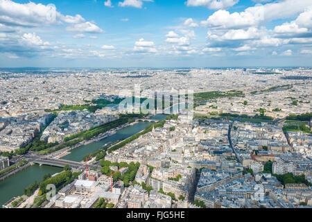 Stadtbild, Blick vom Eiffelturm über Seineufer, Paris, Île-de-France, Frankreich - Stockfoto