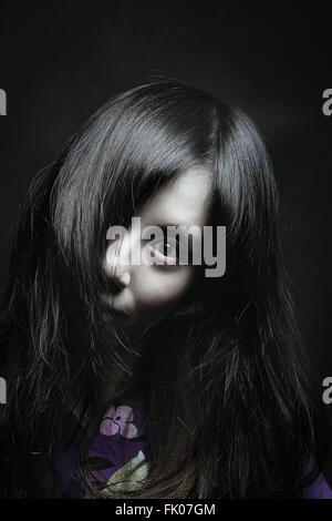 Beängstigend Porträt einer blassen Japanerin. Halloween und horror - Stockfoto