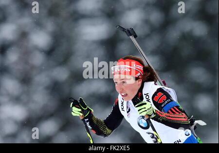 OSLO, NORWEGEN. 6. MÄRZ 2016. Biathlet Laura Dahlmeier Deutschland konkurriert, die Frauen 10 km Verfolgungsrennen - Stockfoto