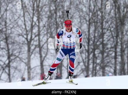 OSLO, NORWEGEN. 6. MÄRZ 2016. Biathlet Tiril Eckhoff Norwegen konkurriert in der Frauen 10km Verfolgungsrennen bei - Stockfoto