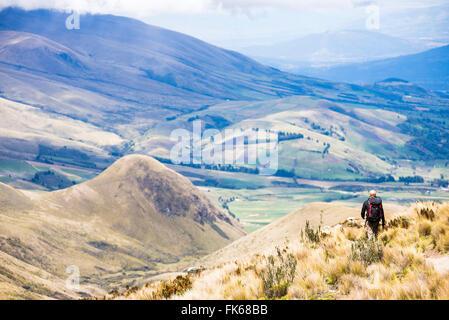 Wandern auf Illiniza Norte Vulkan, einer der zwei Illinizas, Provinz Pichincha, Ecuador, Südamerika - Stockfoto
