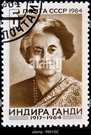 UdSSR - CIRCA 1984: Eine Briefmarke gedruckt in USSR zeigt Indira Gandhi, indischer Premierminister, ca. 1984 - Stockfoto