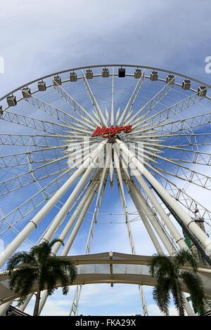 Riesenrad von Asiatique ist Wahrzeichen von bangkok - Stockfoto
