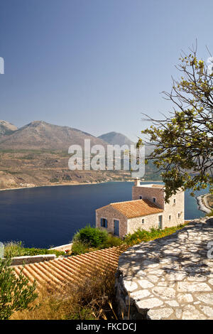 eine malerische meer ferienhaus in griechenland stockfoto bild 98004301 alamy. Black Bedroom Furniture Sets. Home Design Ideas