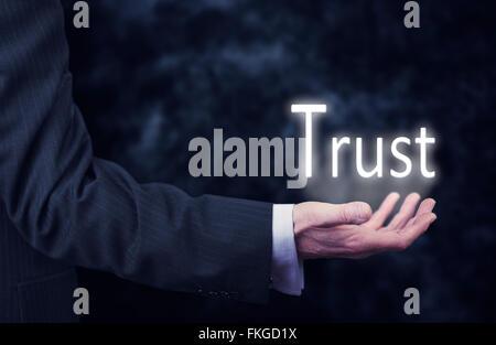 Geschäftsmann Taste ein Trust-Konzept. - Stockfoto