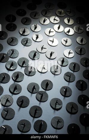 Metallstifte Zeichnung in einem Strahl von Licht - Stockfoto