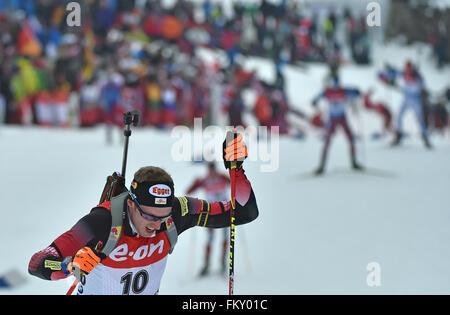 Dominik Landertinger Österreichs in Aktion während der Herren 20km Einzelwertung bei den Biathlon-Weltmeisterschaften - Stockfoto