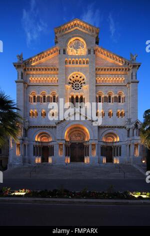 Neo-romanischen Stil Notre-Dame-Immaculée in der Abenddämmerung, Monaco - Stockfoto