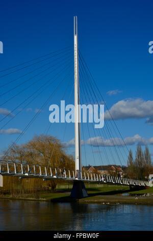 Christchurch-Brücke, neue Fußgängerbrücke, Themse, lesen, Berkshire, England - Stockfoto