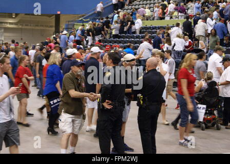 Tucson, USA. 19. März 2016. Donald Trump hat politische Kampagne Rallye im Tucson Convention Center in Tucson Arizona, - Stockfoto