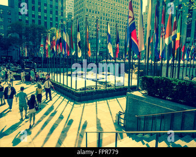 Rockefeller Plaza - The Concourse - Teil des Rockefeller Center in New York City, USA. - Stockfoto