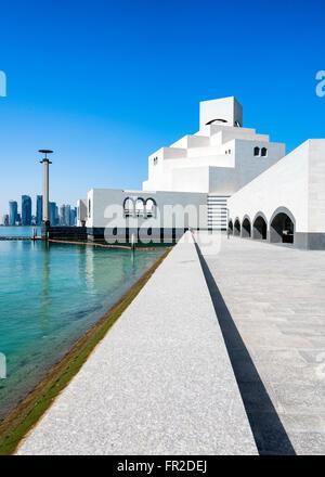 Ansicht des Museums für islamische Kunst in Doha Katar - Stockfoto