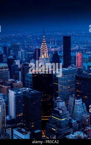 Das Chrysler Building, East Side von Manhattan, New York City, USA. vom Empire State Building aus gesehen - Stockfoto