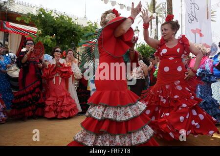 Andalusischen Frauen während der Feria in Jerez - 05.08.2013 - Spanien / Andalusien / Jerez De La Frontera - Frauen - Stockfoto