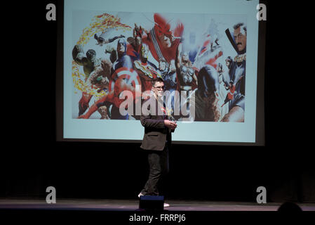 Emporia, Kansas, USA, 28. April 2015 Bill Rosemann Creative Director von Marvel Comics hält Vorträge bei ESU Credit: - Stockfoto