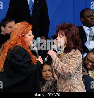 Washington, DC, USA, 13. November 2006 Naomi und Wynonna Judd treten gemeinsam bei der Boden-brechen-Einweihung - Stockfoto