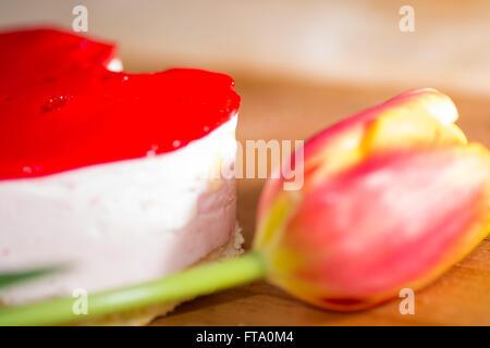 die süße in Herzform und Blume - Stockfoto