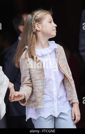 Palma De Mallorca, Balearen, Spanien. 27. März 2016. Princess Sofia blätterige der Ostermesse in der Kathedrale - Stockfoto