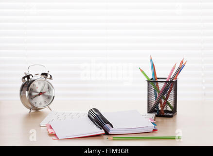 bleistifte auf uhr stockfoto bild 11651432 alamy. Black Bedroom Furniture Sets. Home Design Ideas
