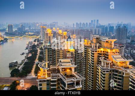 Fuzhou, China Stadtbild auf den Min-Fluss. - Stockfoto