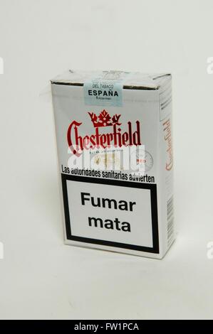 Chesterfield Red Zigaretten Tabak Paket Stockfoto Bild 101457800