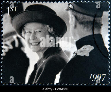 Vereinigtes Königreich - CIRCA 1997: Eine Briefmarke gedruckt in Großbritannien zeigt Königin Elizabeth II, ca. - Stockfoto