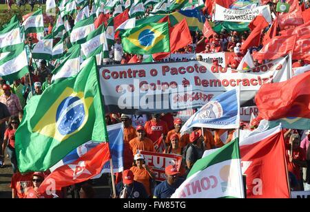 Rio De Janeiro, Brasilien. 31. März 2016. Tausende Anhänger der pro-Regierung Rallye außerhalb Kongress gegen die - Stockfoto