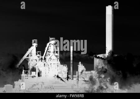 Eine invertierte Grafik eines Bildes von Tata Steel funktioniert, Port Talbot, South Wales. Stockfoto