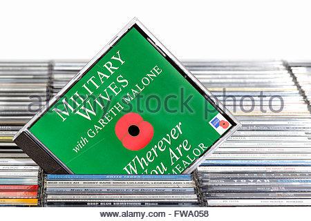 Musik CD-Hüllen, Dorset England aufgetürmt militärischen Frauen 2011 single überall dort, wo Sie sind, - Stockfoto