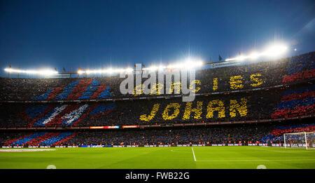 """Barcelona. 2. April 2016. Fußball-Fans markieren Sie die Wörter """"Danke Johan' in Memeory von späten niederländische - Stockfoto"""