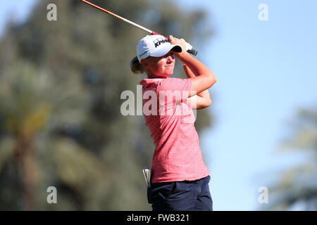Rancho Mirage, Kalifornien, USA. 2. April 2016. Stacy Lewis trifft ein Schuss in der dritten Runde der 2016 ANA - Stockfoto