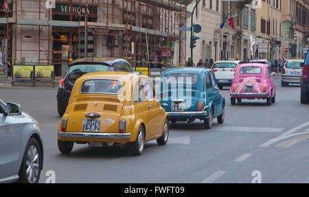 Rom, Italien: Fiat 500 - Stockfoto