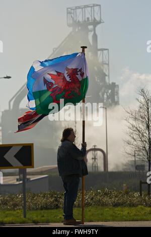 Tata Steel funktioniert, Port Talbot, South Wales, UK. 5. April 2016. Tata Steel funktioniert, Port Talbot, South Wales, die Regierung des Vereinigten Königreichs hoffnungsvollen, ein Städte für bedrohte Stahlwerk gefunden werden kann. Mehr als 4000 Arbeitsplätze sind bedroht, nach Tata Steel es ist letzte Woche angekündigt, um Stahl Baustellen in ganz Großbritannien zu verkaufen. Bildnachweis: Haydn Denman/Alamy Live-Nachrichten
