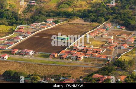 ALAJUELA, COSTA RICA - Luftbild von Landwirtschaft und Wohnungsbau. - Stockfoto