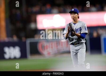 San Diego, Kalifornien, USA. 6. April 2016. Kenta Maeda (Schwindler) MLB: Kenta Maeda der Los Angeles Dodgers reagiert - Stockfoto