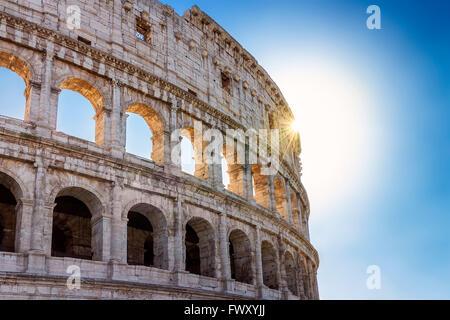 Roman Colosseum, vor allem bei Gegenlicht - Stockfoto