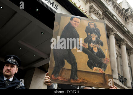 London, UK. 9. April 2016. Tausende von Demonstranten versammeln, um David Cameron Rücktritt nach Panama Papiere - Stockfoto