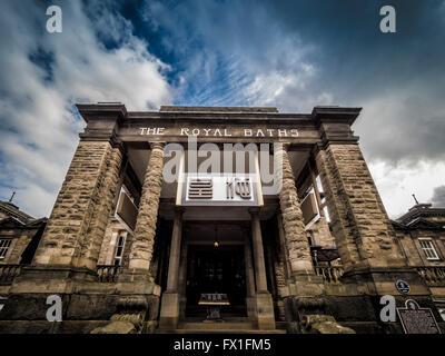 Die Königlichen Bäder außen Beschilderung, Harrogate, North Yorkshire, UK. - Stockfoto