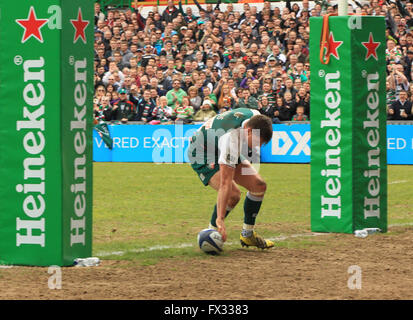 Welford Road, Leicester, UK. 10. April 2016. Sieg im Europacup. Leicester Tigers gegen Stade Francais. Tiger Fly - Stockfoto