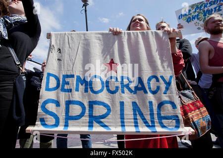 Washington, DC, USA. 11. April 2016. Tausende von Demokratie Frühling Aktivisten aus über dem Land zu protestieren - Stockfoto